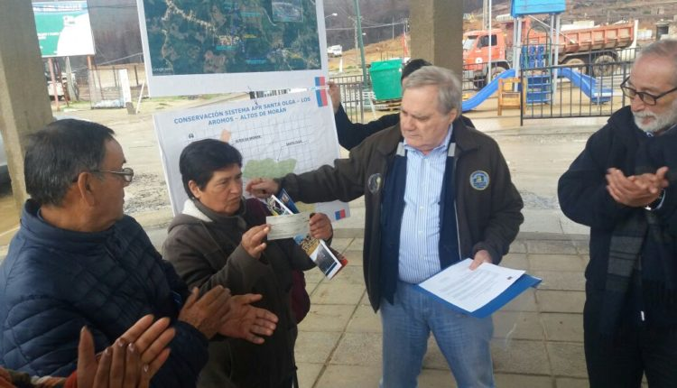 Funcionarios del MOP donan 14 millones de pesos para funcionamiento del APR de Santa Olga