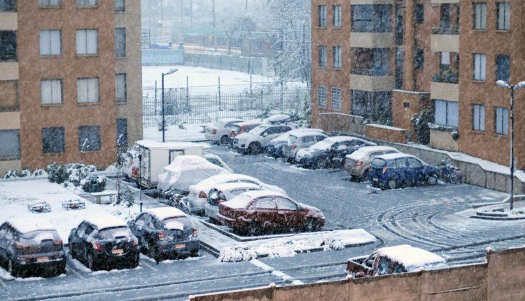 Autoridad confirma un fallecido por intensa nevazón en región Metropolitana