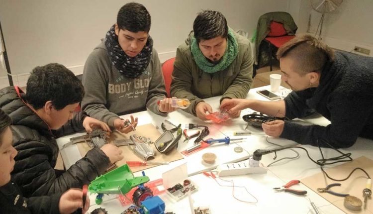 Escolares crean música con circuitos eléctricos y sonidos de la naturaleza