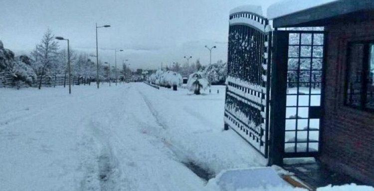 Suspenden duelo entre la UC y Rangers debido a fuerte nevazón en Santiago