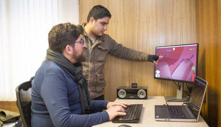 Estudiantes talquinos desarrollan videojuego educativo en 24 horas