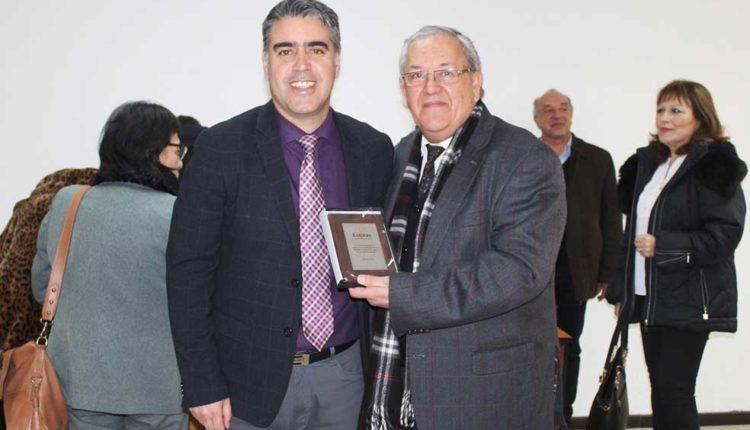 Entregan reconocimiento al DAEM de Talca y a directivos de escuelas municipales por su aporte a la educación digital