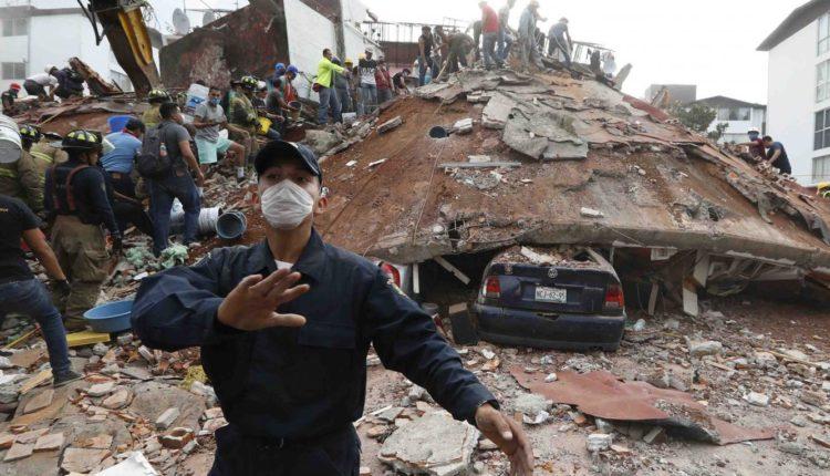 Suben a 225 la cifra de fallecidos por el terremoto en México