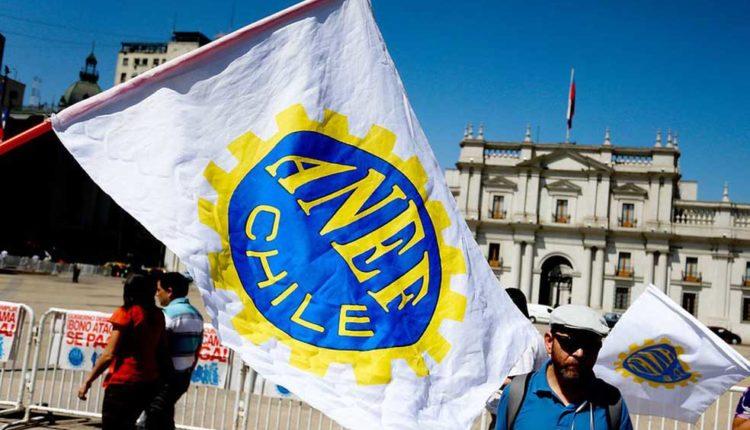 """ANEF rechaza calificativo de """"grasa"""" por parte de Piñera y llama a estado de alerta por eventuales despidos"""