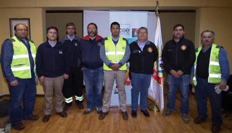 CGE Distribución capacita a Bomberos de la Provincia de Cauquenes a fin de evitar accidentes eléctricos