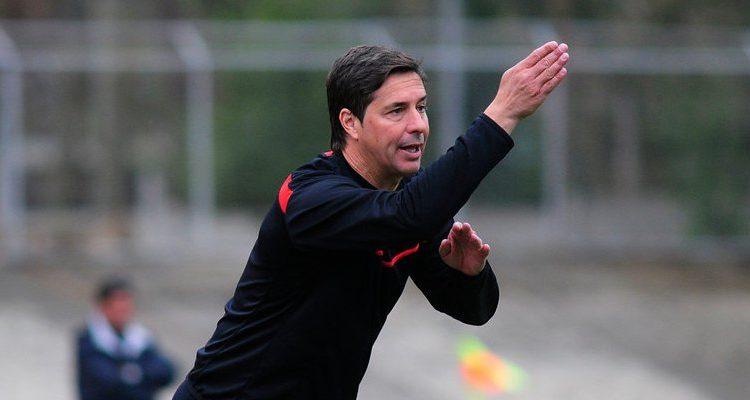 Héctor Almandoz es llamado para el retorno a la banca de Rangers